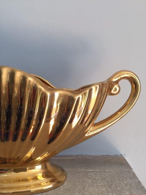 pair of royal winton golden age mantle vases sold. Black Bedroom Furniture Sets. Home Design Ideas
