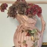 Pink swan vase 1
