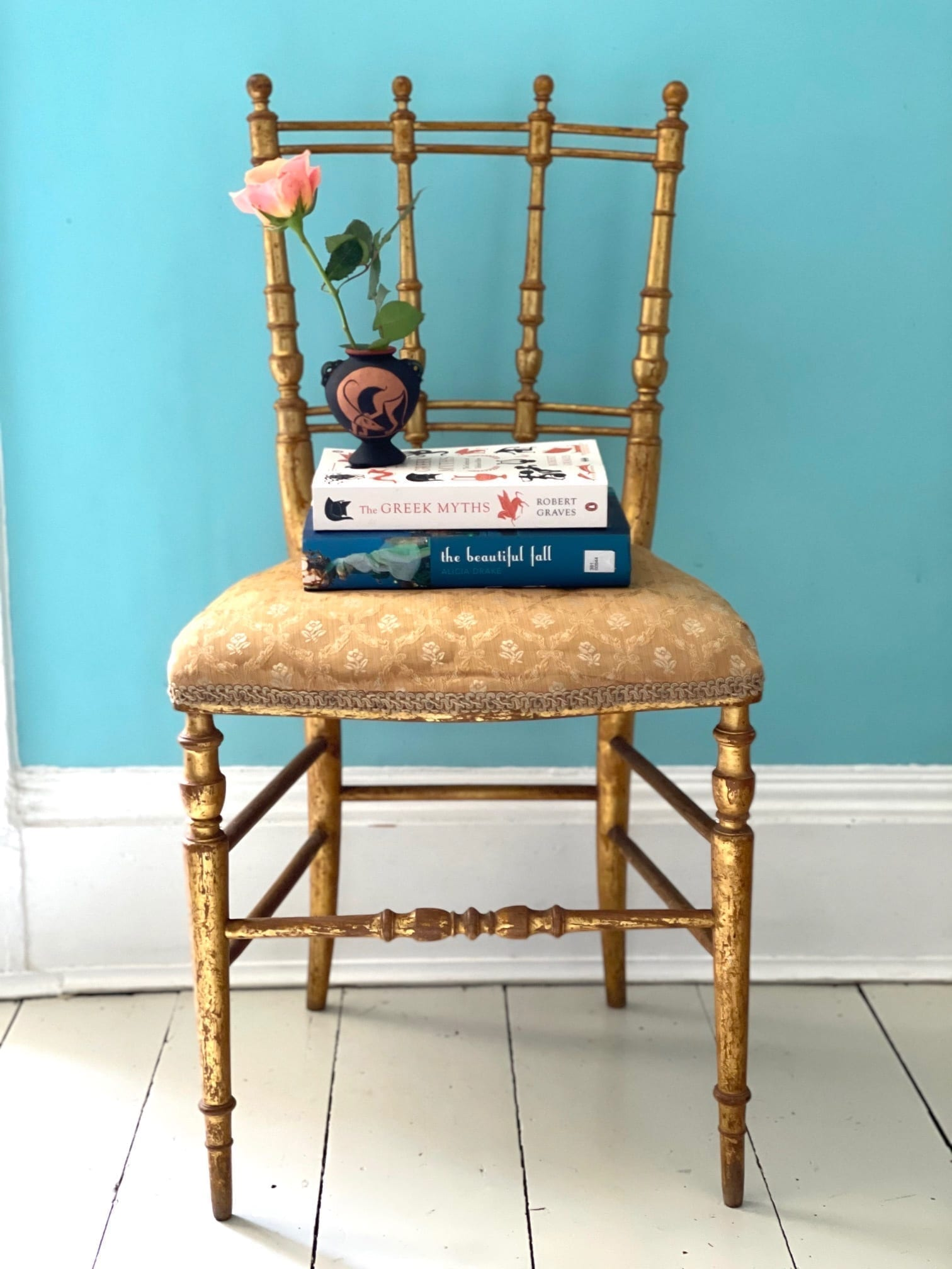 Gold chair 1