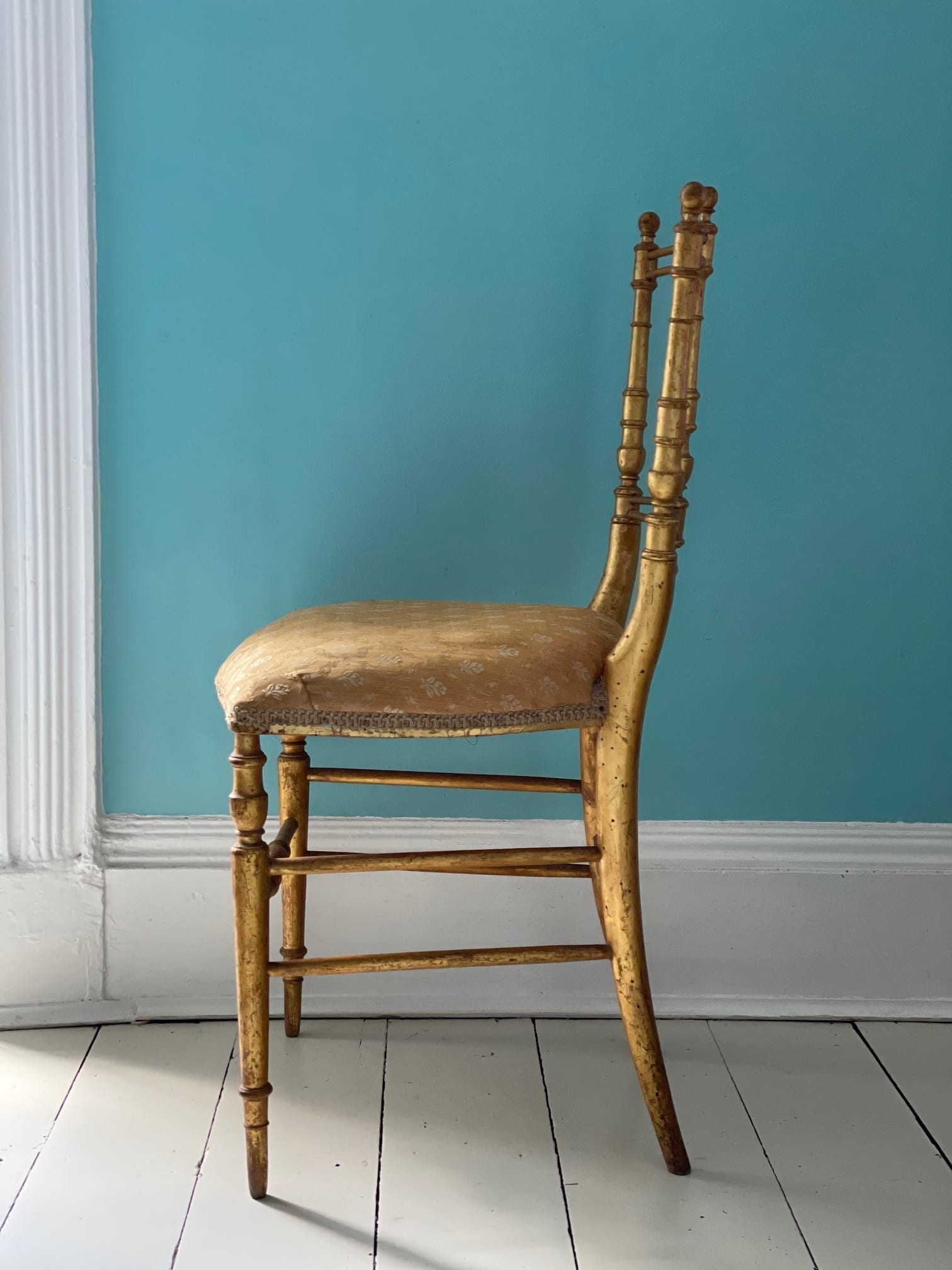gold chair 4