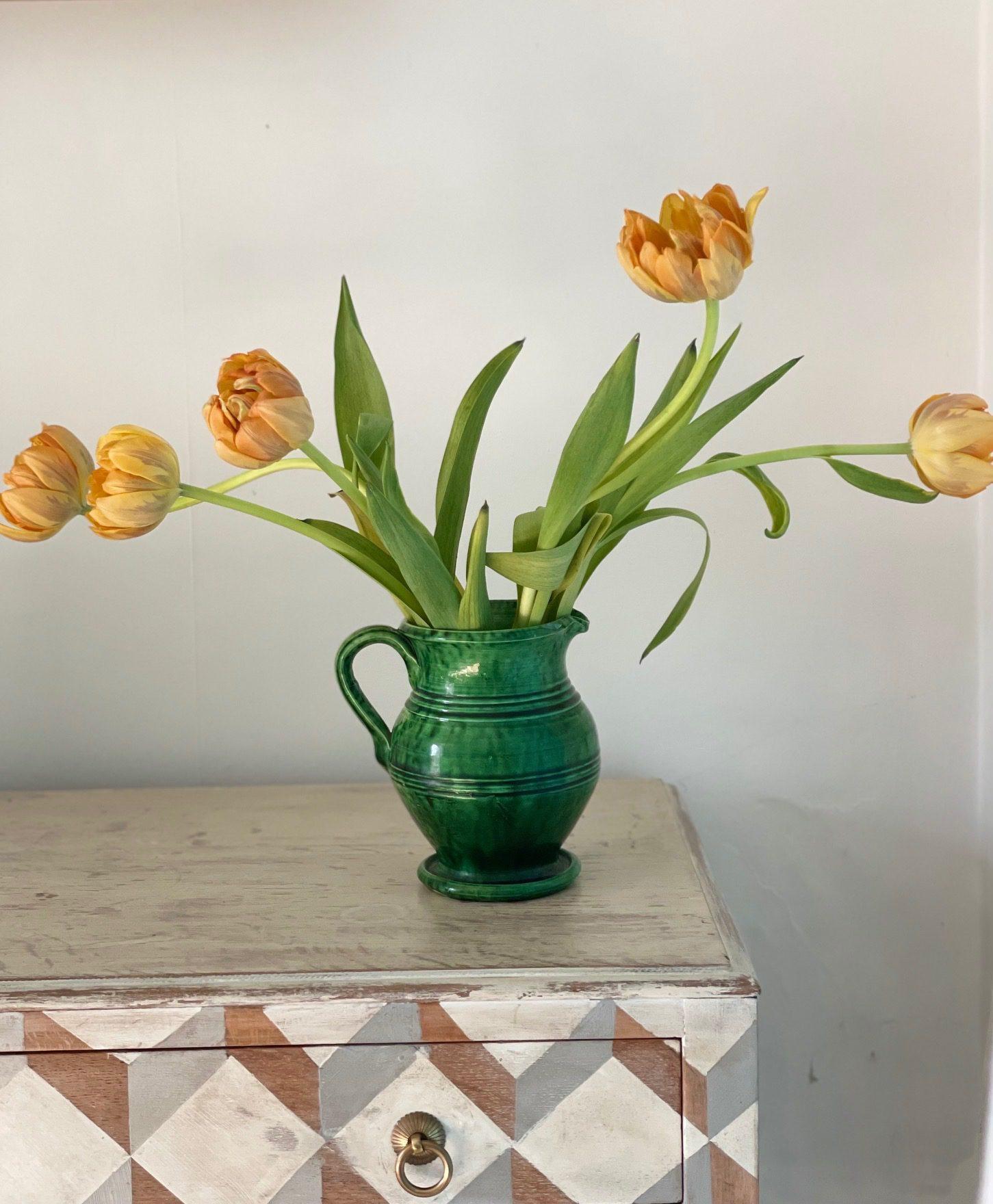 Green vase main