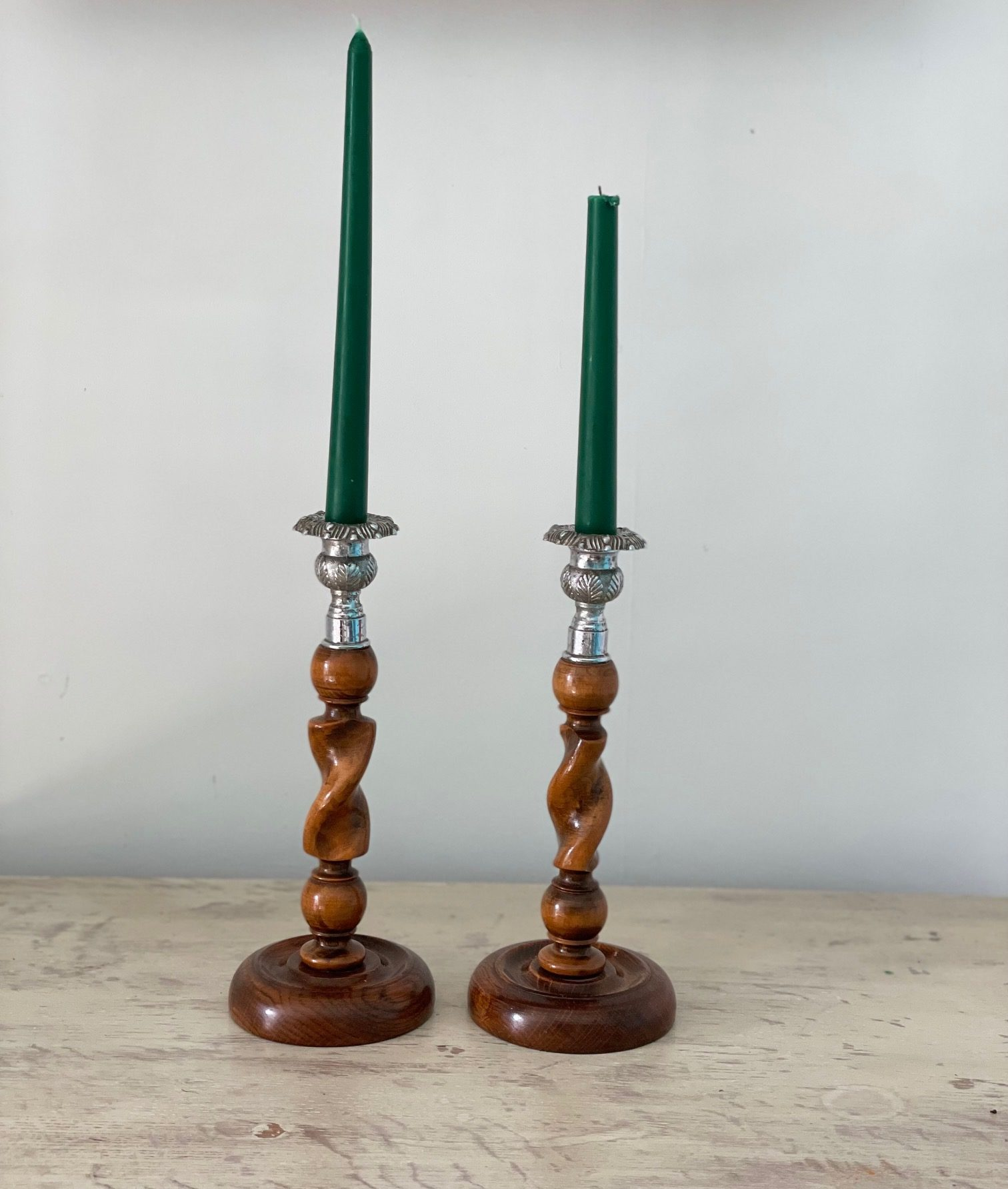 wood twisted candle 1